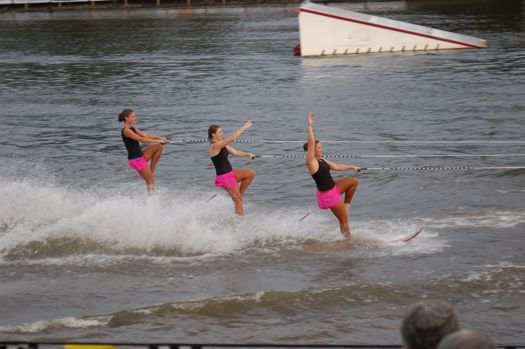 US20Waterski20showteam20Staggered20swivel.jpg